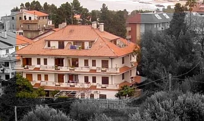 Casa in vendita su vibo valentia grimaldi immobiliare for Grimaldi immobiliare