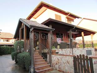 Villa - Giugliano in Campania, NA