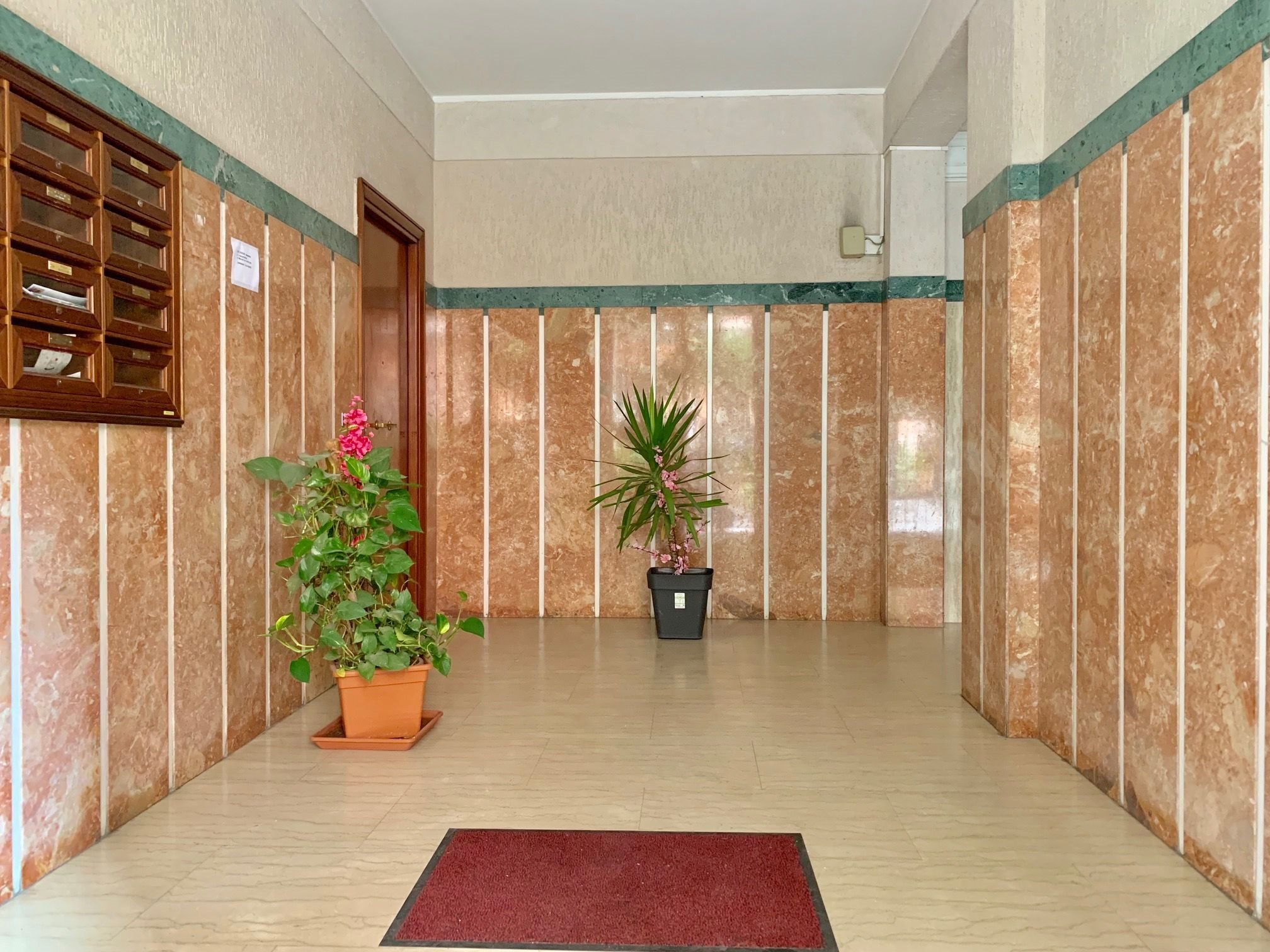 ingresso condominiale